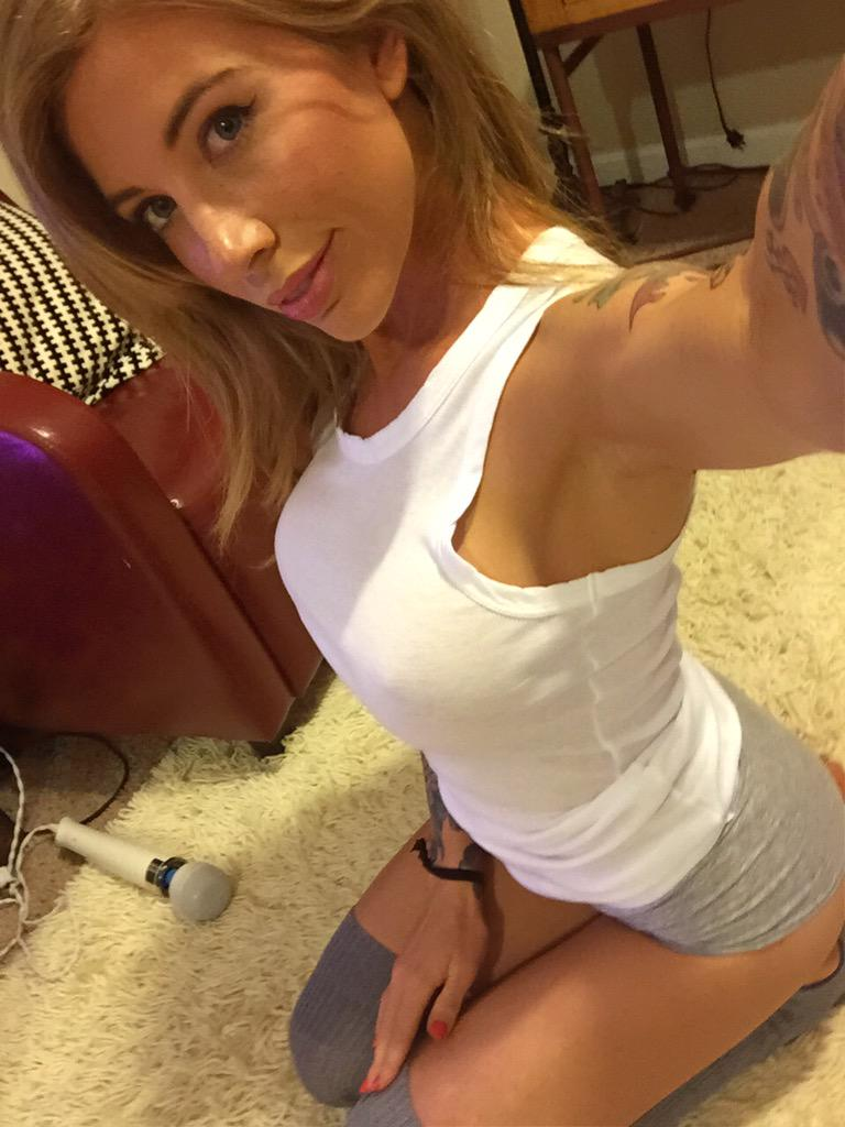 diana_deets_webcam_babe_nude_tits (12)