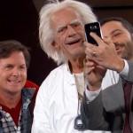 Marty McFly en Doc Brown zijn daadwerkelijk gearriveerd in de toekomst!