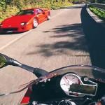 BMW S1000RR motor spot een Ferrari F40