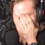 PewDiePie doet de 'Try Not To Laugh Challenge'