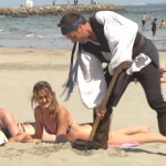 Remi Gaillard plundert en plaagt als een echte piraat