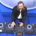 Parodie: David Guetta drukt weer eens knopjes in bij de EK-finale