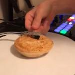 Zo klinkt een knapperig Australisch taartje op een platenspeler