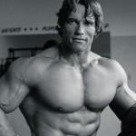 Dit is hoe de 69-jarige Arnold Schwarzenegger in vorm blijft