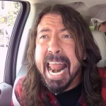 Oergezellige Carpool Karaoke met James Corden en The Foo Fighters