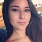 Angie Verona is en blijft het buurmeisje van het internet