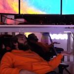 Youtube-koning PewDiePie toont zijn kantoor en indrukwekkende pc setup